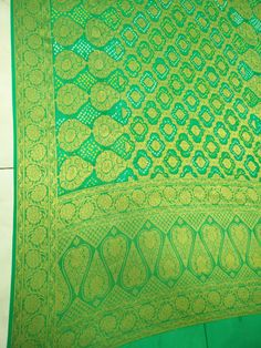 Maysori geogrette bandhani saree only of Vanza for more info call us or WhatsApp us on 9978999918 Bandhani Saree, Shah Alam, Sarees, Quilts, Blanket, Comforters, Blankets, Patch Quilt, Kilts