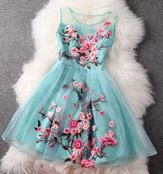 Organza Embroidered Gauze Stitching Sleeveless Dress