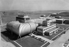 Ames Aeronautical Laboratory wind tunnel (Moffett Field, California).
