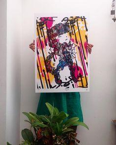 """Hasta Francia llegaron 50 creadores de este lado del mundo para revolver a los franceses con sus obras atrevidas, en las que dieron vida al concepto """"paz para todos"""", lema del festival de arte urbano que terminó el pasado 15 de julio. Hablamos con los colombianos Empty Boy y Teck 24, además de otros artistas participantes como Matu de Chile, Dinho de Brasil y Ceci Ro de Uruguay para que nos contaran sus impresiones finales. De paso, pille las mejores serigrafías que cruzaron el Atlántico y…"""