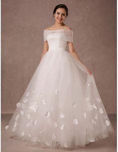 Feminine A-line Sweetheart Floor-length Wedding Dress With Flowers