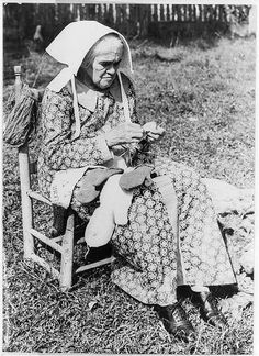 Aunt Viblet Walling in sunbonnet,knitting mittens; Cumberland mountains