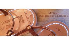 Rendez ce cadeau unique et romantique. K.Jacques vous offre la gravure des semelles ou des bracelets !