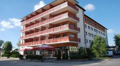 Hotel WALTER Toruń Located in a green area of Torun, 5 km from the Old Town, Hotel WALTER offers rooms with free Wi-Fi. The hotel provides guests with free parking places on site.  Most rooms at WALTER feature a flat-screen TV with satellite channels.