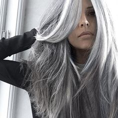 Wow! Beautiful long gray hair!