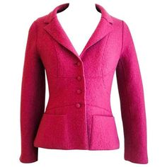 Preowned Chanel 1999 Classic Wool Blazer 34 (2.505 BRL) ❤ liked on Polyvore featuring outerwear, jackets, blazers, red, wool lined jacket, asymmetrical jacket, wool jacket, red blazer and red wool blazer