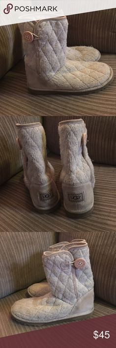 UGGS Baily Button sweater boots sz 8 Pre loved 💚 Sand color, classic short baily button UGGS sz 8. They are a sweater material, heels could use a cleaning, but there not bad. Not to long ago I put replacement UGG buttons on them, the 3rd to last pic is the inside of where I sewed the button on, the 2nd to last pic shows only flaw, the seam is loose at the where sides Meet under the button (easy fix) where they are buttoned you can't tell anything is wrong (last pic) UGG Shoes Winter & Rain…
