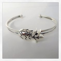 Pineapple adorable silver bracelet  Tropical summer MiNinaNanas on Etsy : www.etsy.com/shop/MiNinaNanas