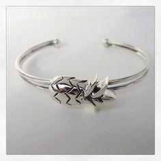 Pineapple adorable silver bracelet  Tropical summer MiNinaNanas on Etsy : www.etsy.com/shop/MiNinaNanas
