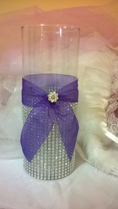 Best Ideas For Shabby Chic Wedding Table Ribbons Wedding Table Centerpieces, Wedding Flower Arrangements, Flower Centerpieces, Bling Centerpiece, Centerpiece Ideas, Purple Table Decorations, Purple Centerpiece Wedding, Chic Wedding, Trendy Wedding