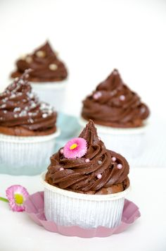 Death by chocolate - Chocolate muffins with a chocolate liquore frosting // Baking Barbarine