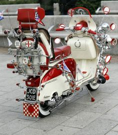 Mod scooter long before full dress Honda goldwing were even thought of. Vespa Motor Scooters, Lambretta Scooter, Scooter Motorcycle, Mobility Scooters, Retro Scooter, Scooter Girl, Vintage Motorcycles, Sidecar, Motorbikes