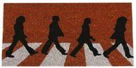 Original felpudo de los Beatles sobre Abbey Road. Llevate este mítico felpudo de los chicos de Liverpool. ¡Encuentralo en nuestra web!. Abbey Road, Doors, Ideas Divertidas, Beatles, Liverpool, Home Decor, Blog, Home, Coat Hooks
