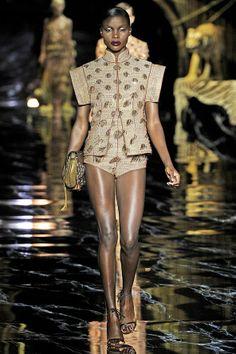 Louis Vuitton Spring 2011 Ready-to-Wear Fashion Show