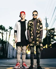 twenty one pilots<<THEY LOOK SO SMOL WTF?!? They look like model kids these days.