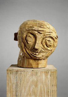 Carving with an axe by Georg Baselitz Plaster Sculpture, Sculpture Head, Pottery Sculpture, Abstract Sculpture, Wood Sculpture, Art Tribal, Art Rules, Art Populaire, Art Brut