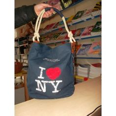 Borsa I Love NY € 30 http://www.cartolibreriariosto.it/index.php?id_product=74&controller=product