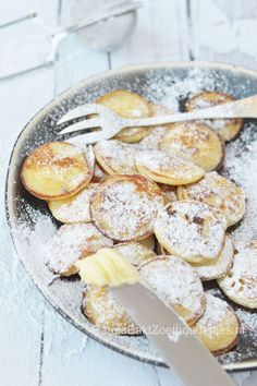 oud Hollandse poffertjes - lots of childhood memories spending summers in NL Traditional Dutch Recipes, Brunch, Food Humor, Food Inspiration, Love Food, Baking Recipes, Breakfast Recipes, Food And Drink, Yummy Food