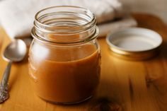 Welcome to my 3 minute Paleo friendly caramel sauce. Here is your ultimate chance to enjoy a melt in your mouth caramel sauce that is completely healthy and so… Homemade Caramel Sauce, Salted Caramel Sauce, Caramel Recipes, Dip Recipes, Sauce Recipes, Free Recipes, Easy Recipes, Recipies, Dessert Recipes