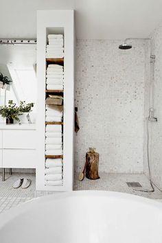 nos meilleures idees pour votre salle de bain, quelles portes serviettes poser