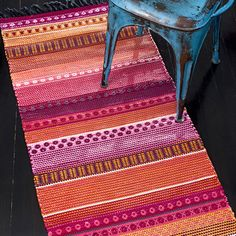 Weaving Projects, Weaving Art, Weaving Patterns, Loom Weaving, Hand Weaving, Textiles, Carpet Design, Recycled Fabric, Woven Rug