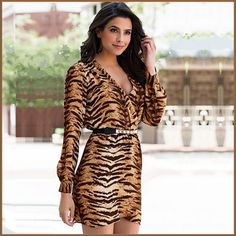 Take a look at the best Animal print dress in the photos below and get ideas for your outfits! Animal print dress, denim jacket and red chanel shoulder bag. Cute Dress Outfits, Cute Dresses, Beautiful Dresses, Mini Dresses, Vestidos Animal Print, Animal Print Dresses, Animal Print Fashion, Fashion Prints, Moda Animal Print
