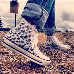 White Studded Converse Shoes from Urban Eclectics. Saved to shoes . Cheap Converse Shoes, Moda Converse, Studded Converse, Custom Converse, Converse Style, Outfits With Converse, Converse All Star, Converse Chuck Taylor, Casual Outfits