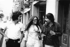 Archivo de Víctor Manuel: Con Ana Belén y Juan Cueto por las calles de Mieres en 1971.