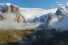 After 3 hours of waiting this morning at Tunnel View the storm cleared up and I was greeted with this incredible view of the Yosemite Valley. [OC] [30842056] #reddit
