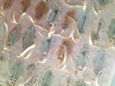 Skeleton Key escort cards :  wedding Photo