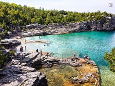 39 Things To Do In Ontario That You Must Add To Your Summer Bucketlist featured image Beaches In Ontario, Ontario Place, Places To Travel, Places To See, Sup Stand Up Paddle, Ontario Travel, Canada Travel, Canada Trip, Summer Bucket Lists