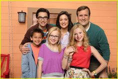 Liv and Maddie, the newest original TV Show on Disney Channel. Dove Cameron as Liv and Maddie! Dove Cameron, Series Da Disney, Film Disney, Disney Xd, Disney Channel Shows, Disney Shows, Sofia Carson, Liv And Maddie Characters, Joey Bragg