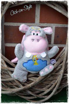 Lovely hippo Engel