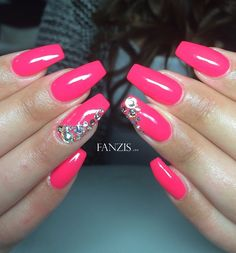 neon pink perfect summer nails