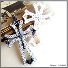 CATHERINE'S CROSS -  Cubic Right Angle Weave beading pattern