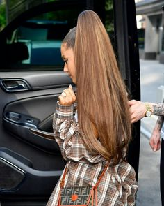 Ariana Grande & Pete Davidson Look So Happy Together in Latest Photos!: Photo Ariana Grande and Pete Davidson can hardly contain their smiles while stepping out for lunch on Monday (July in New York City. Cabello Ariana Grande, Ariana Grande 2018, Ariana Grande Hair, Ariana Grande Outfits, Ariana Grande Photos, Bae, High Ponytails, Dangerous Woman, Easy Hairstyles