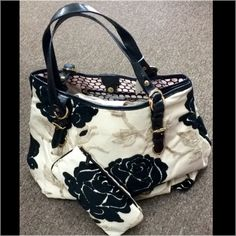 NWT Glenda Gies purse and makeup bag. Beautiful black chenille roses. Includes matching makeup bag! Has protective metal feet on bottom. Gold hardware trim, black calfskin leather trim. Material: vintage Belgian chenille & leather! Glenda Gies Bags Satchels