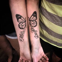 51 Adorable Mother-Daughter Tattoos to Let Your Mother How Much You Love - Beste Tattoo Ideen Mother Daughter Infinity Tattoos, Mommy Daughter Tattoos, Mother Tattoos, Tattoos For Daughters, Sister Tattoos, Girl Tattoos, Tattoos For Women, Tatoos, 16 Tattoo