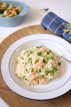 Risotto with smoked salmon. Healthy Diners, Pesto, Couscous, Paella, Food Inspiration, Italian Recipes, Love Food, Foodies, Food Porn