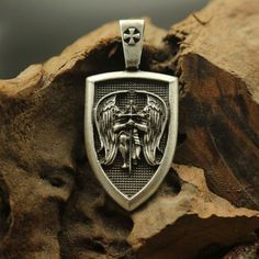 Item Type: Necklaces Fine or Fashion: Fashion Pendant Size: 53mmx25mm Necklace Type: Pendant Necklaces Brand Name: NORSWORD Metals Type: Zinc Alloy Style: Vintage Gender: Men Chain Type: Rope Chain Sh