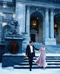 Tiffany & Co. Holiday Ad Campaign 2011 in front of the New York Public Library