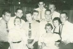 June 1955 Elvis Presley and Scotty Moore and Bill Black - McMahon Memorial Auditorium & The Southern Club - Lawton, OK Rare Elvis Photos, Elvis Presley Photos, Priscilla Presley, Lisa Marie Presley, Scotty Moore, Elvis Collectors, Young Elvis, Childhood Photos, Thing 1