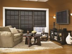Bali 2 1/2 Northern Heights Shutter Style Wood Blinds traditional family room
