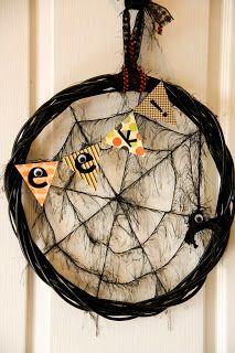 Kaminski's Creations: Eek! A Spider Web Wreath