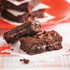 Brownies au chocolat à la mijoteuse - Les recettes de Caty Brownies Au Nutella, Moussaka, Fondant, Biscuits, Crockpot, Slow Cooker, Deserts, Lunch, Sugar