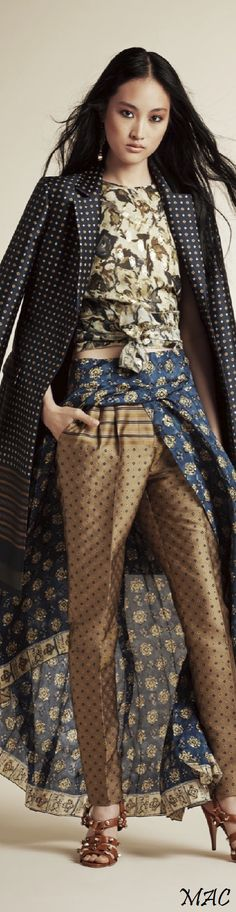 Alberta Ferretti Resort 2016 Fashion Show
