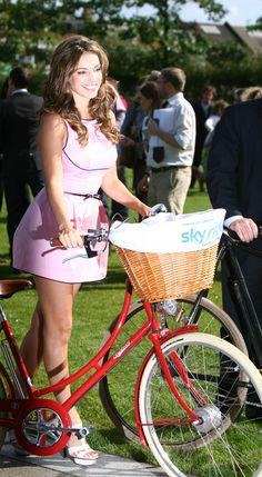 Kelly Brook – Launch of Mayor Of London's Sky Ride 25.08.11