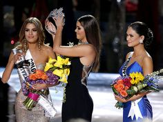 Miss Colombia Is Graceful in Defeat – as Steve Harvey Tweets Apology that Misspells Both Colombia and Philippines http://www.people.com/article/steve-harvey-apologizes-after-announcing-wrong-miss-universe-winner