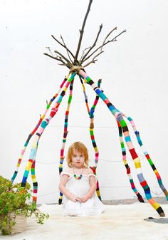 Tipi with just the Structure. DIY yarn wrapped branch teepee by Nathalie Miller Yarn Bombing, Diy For Kids, Cool Kids, Guerilla Knitting, Diy Tipi, Deco Kids, Ideias Diy, Nature Crafts, Kid Spaces