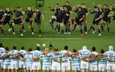The All Blacks perform the haka during quarter final four of the 2011 IRB Rugby World Cup between New Zealand and Argentina at Eden Park on October 2011 in Auckland, New Zealand. Pumas, All Blacks Rugby Team, New Zealand Rugby, Rugby Sevens, Rugby Club, Final Four, Rugby World Cup, Photography Projects, Number One